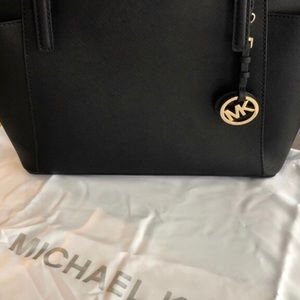 Michael Kors  Bag. (Never Used)